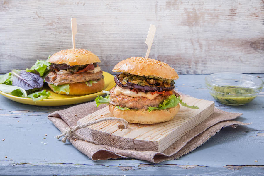 burger de veau, aubergine et pesto