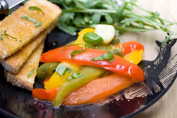 Photographie culinaire poivrons confits et gaspacho tomate-fraise