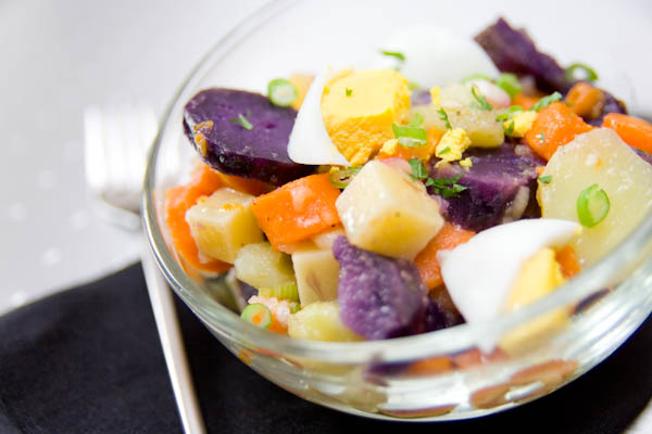 Photographie culinaire salade multicolore du placard